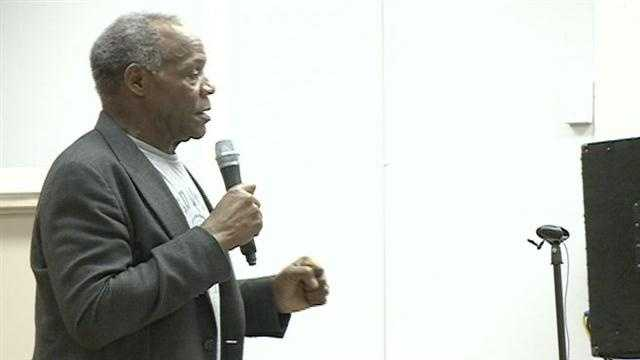 Actor Danny Glover is lending his support to workers trying to organize at the Canton Nissan plant.