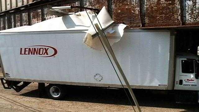 Gallatin Street brige Lennox truck