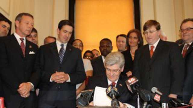governor signs school prayer law