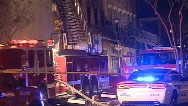 Building burns in downtown Vicksburg