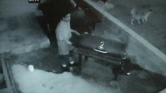 Man steals grill