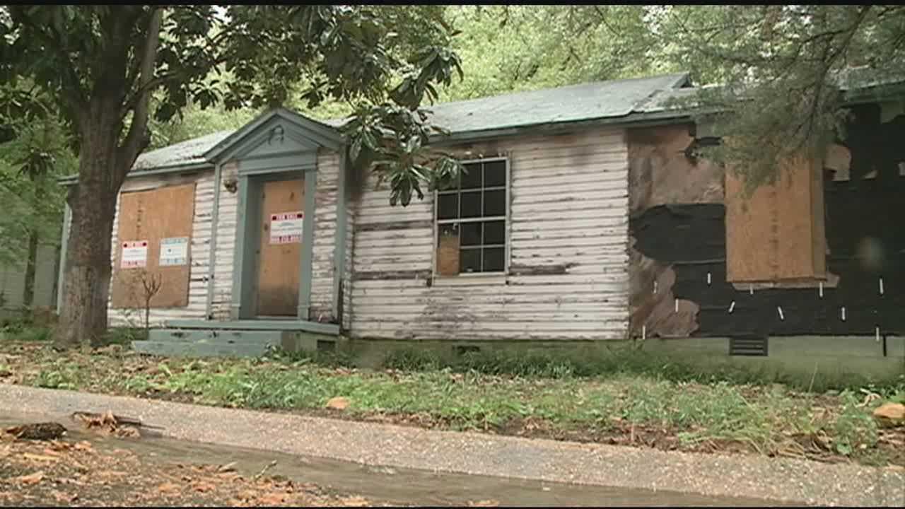 Neighbors complain about house