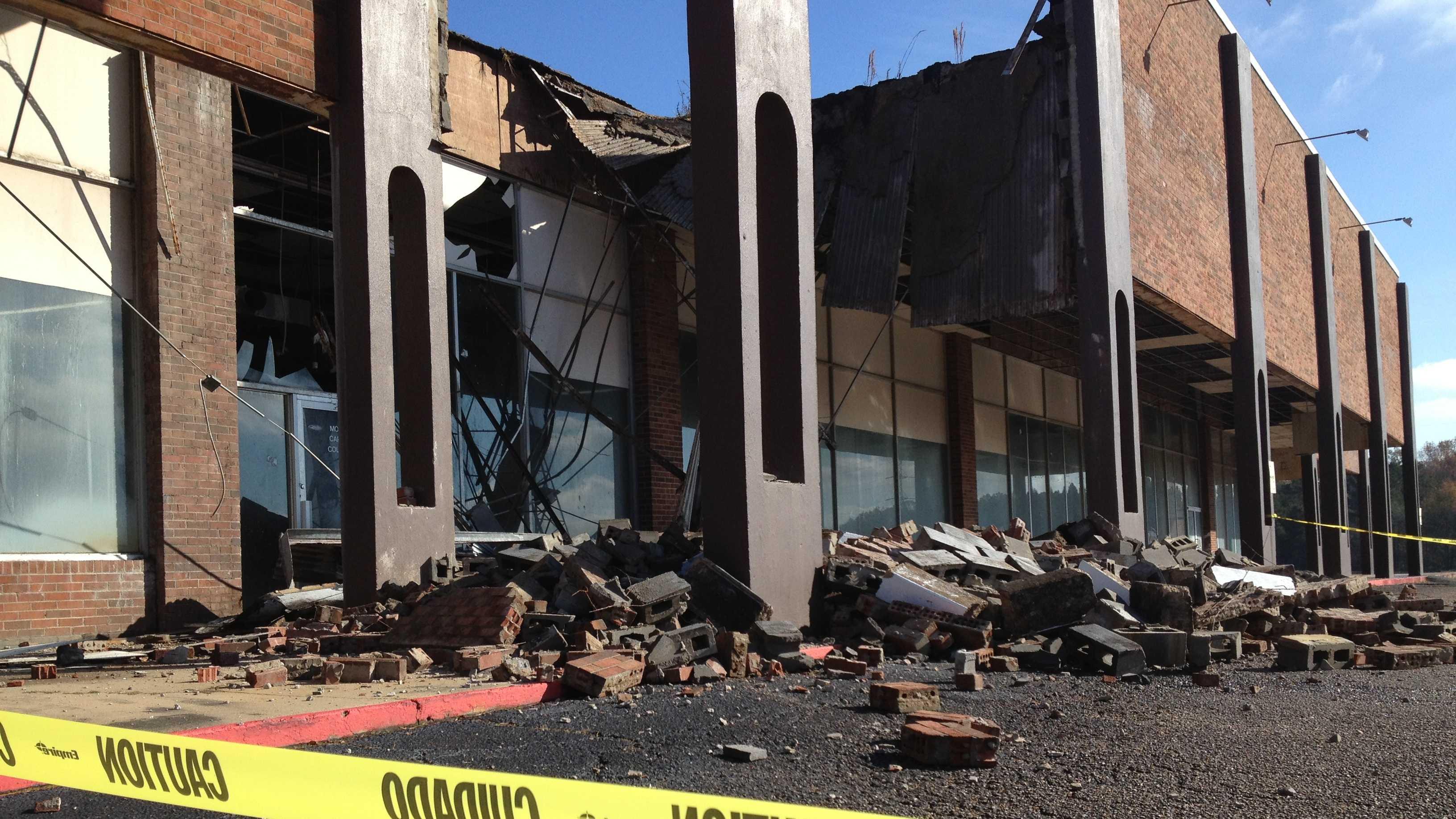 collapsed building 2.JPG
