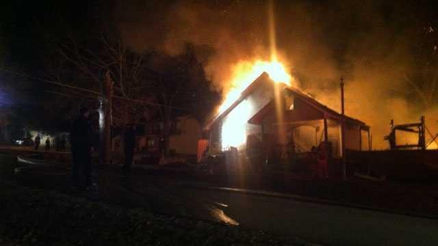 Clinton house fire 2