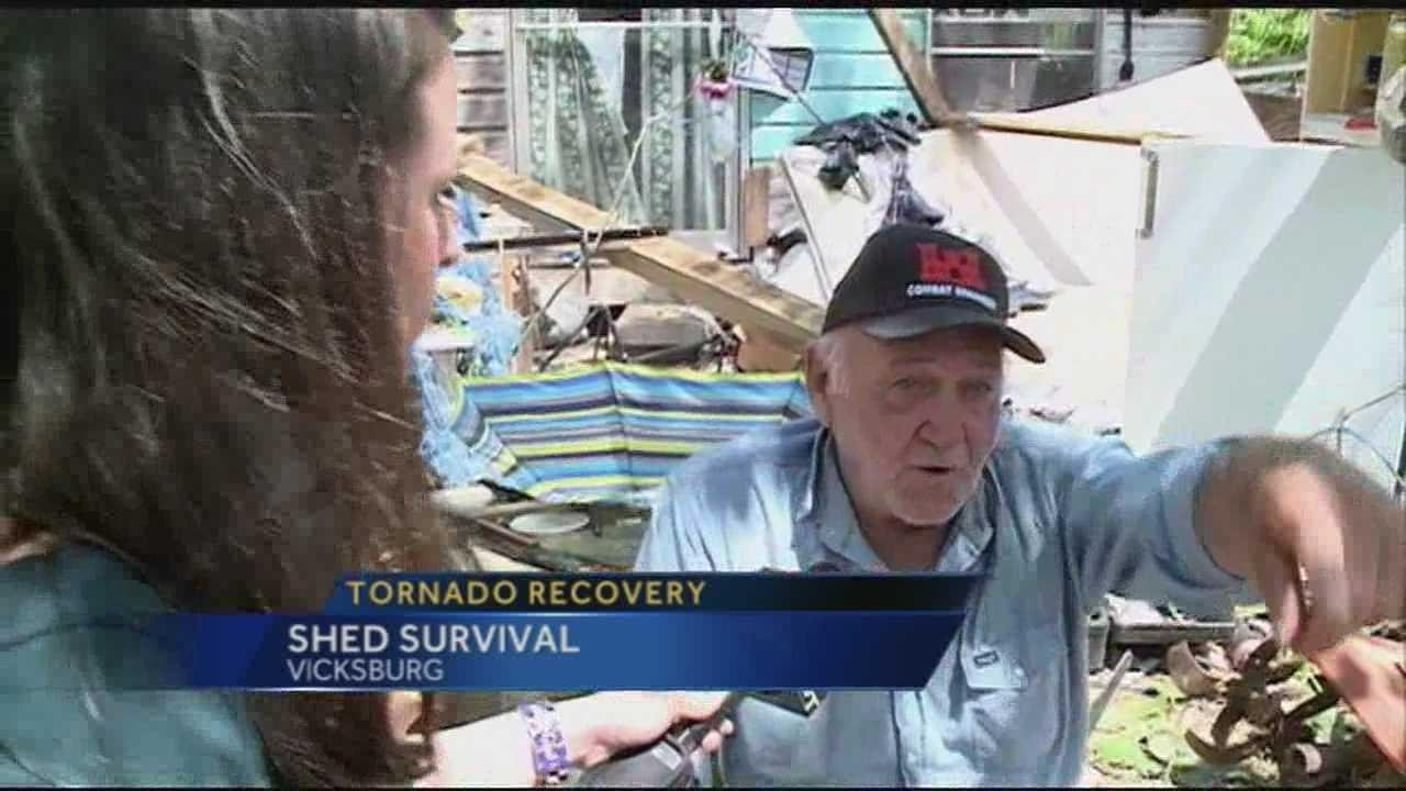 Tornado hits Warren County