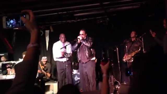 Dan Aykroyd performs at Hal & Mal's