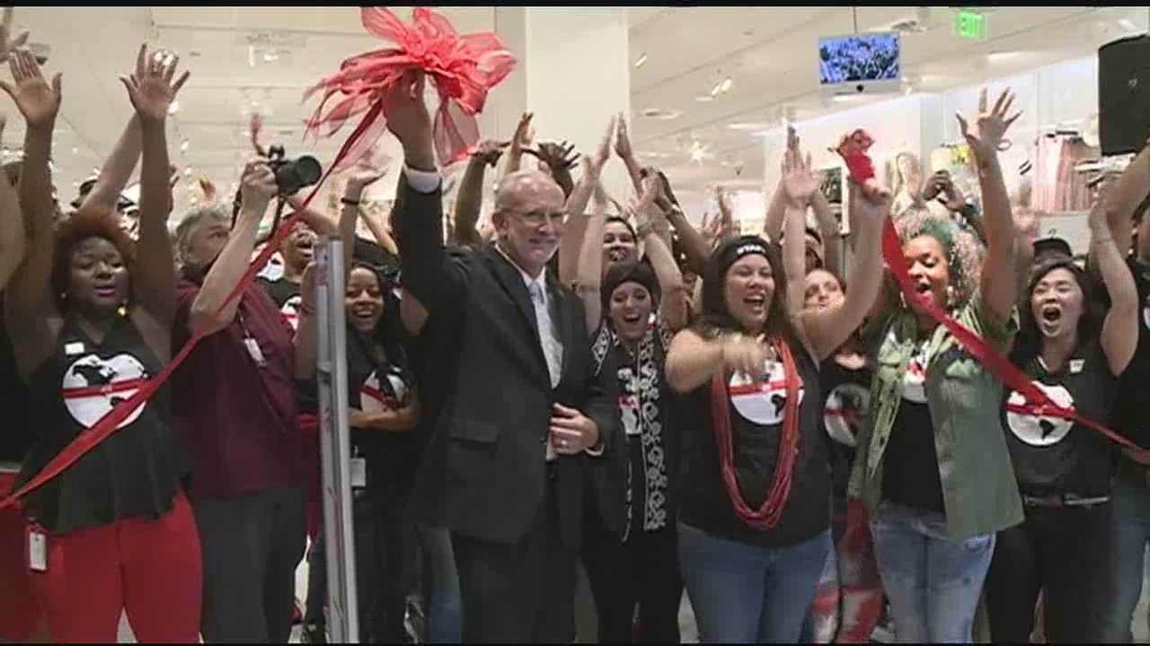 H&M opens