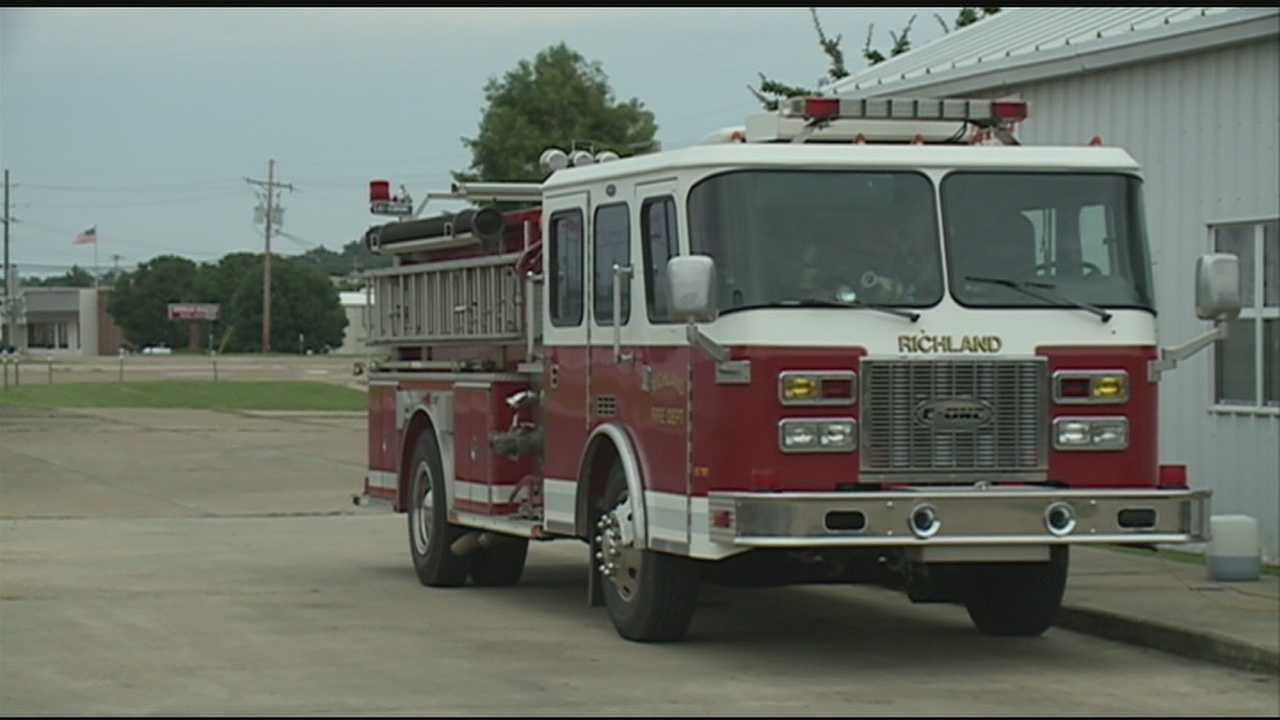 Ridgeland rebuilding fire station after tornado