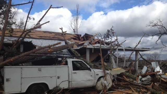tornado damage 39.JPG