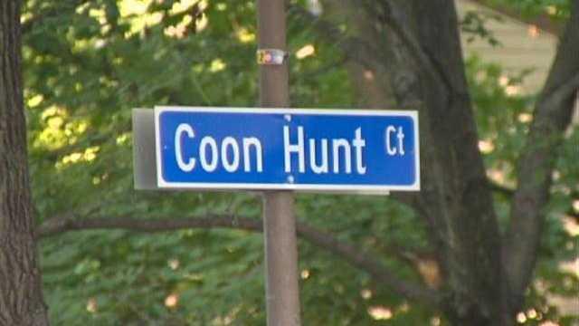 Coon Hunt Court sign