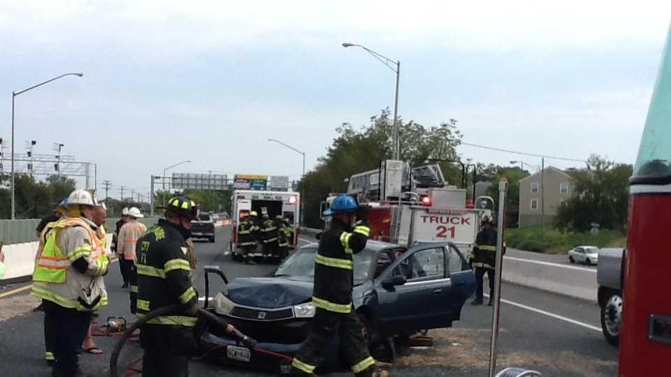 4-car crash on I-895 Kevin Cartwright pic