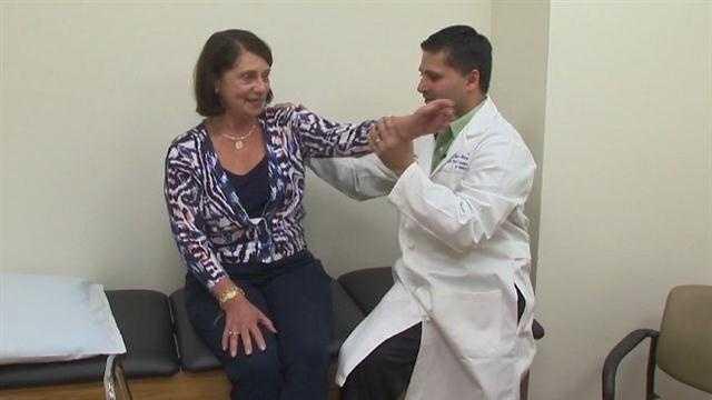 shoulder pain woman's doc