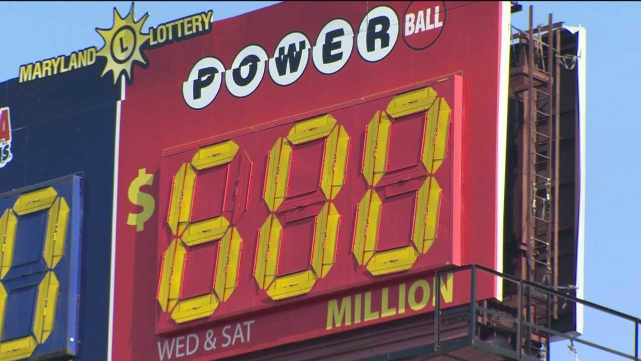 Powerball $600M billboard