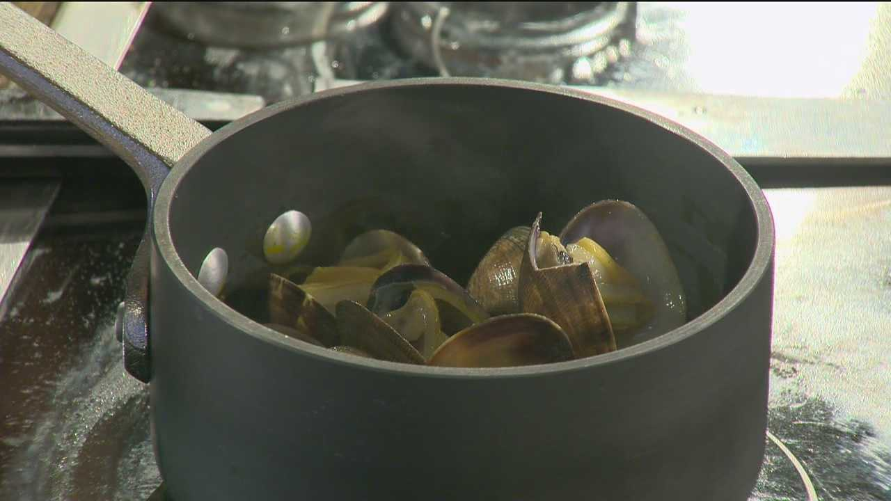 Sunday Brunch: Kam Heong Clams