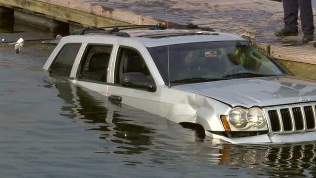 car-in-water-02.jpg