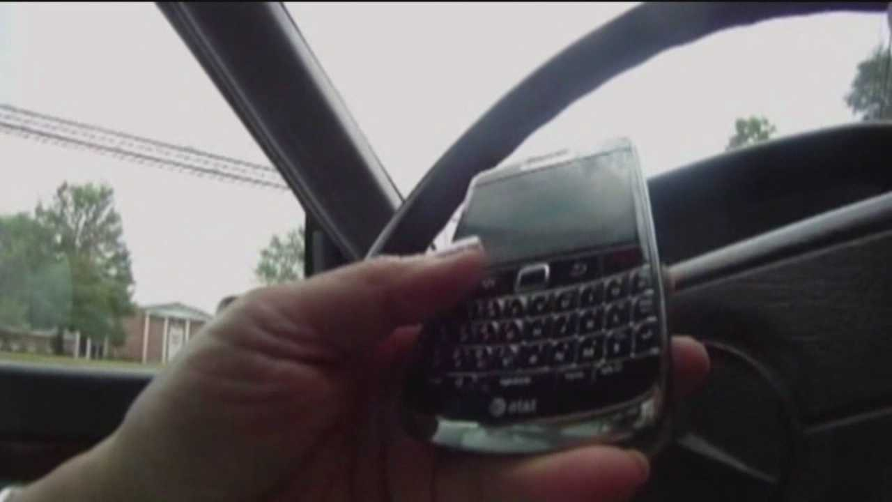 Using cellphone while driving becomes primary offense