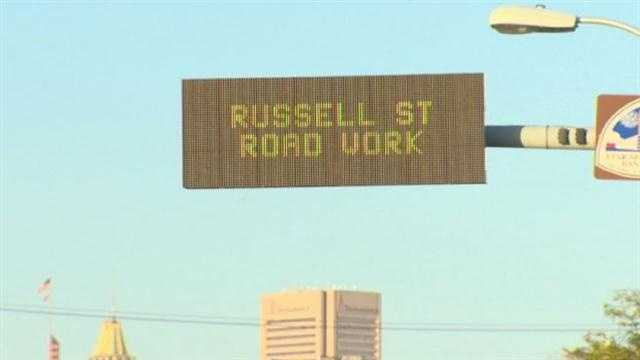 Russell Street road work sign