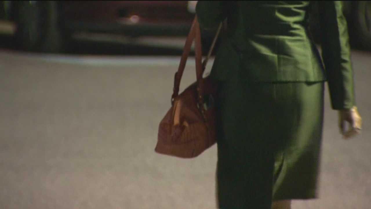 Police warning of smash-and-grab purse thieves