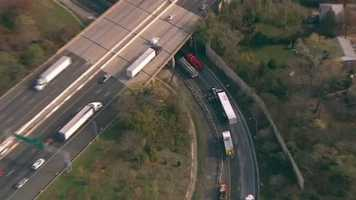 A tractor-trailer crash on the Inner Loop of the Beltway where it meets northbound Interstate 83 is causing heavy backups.