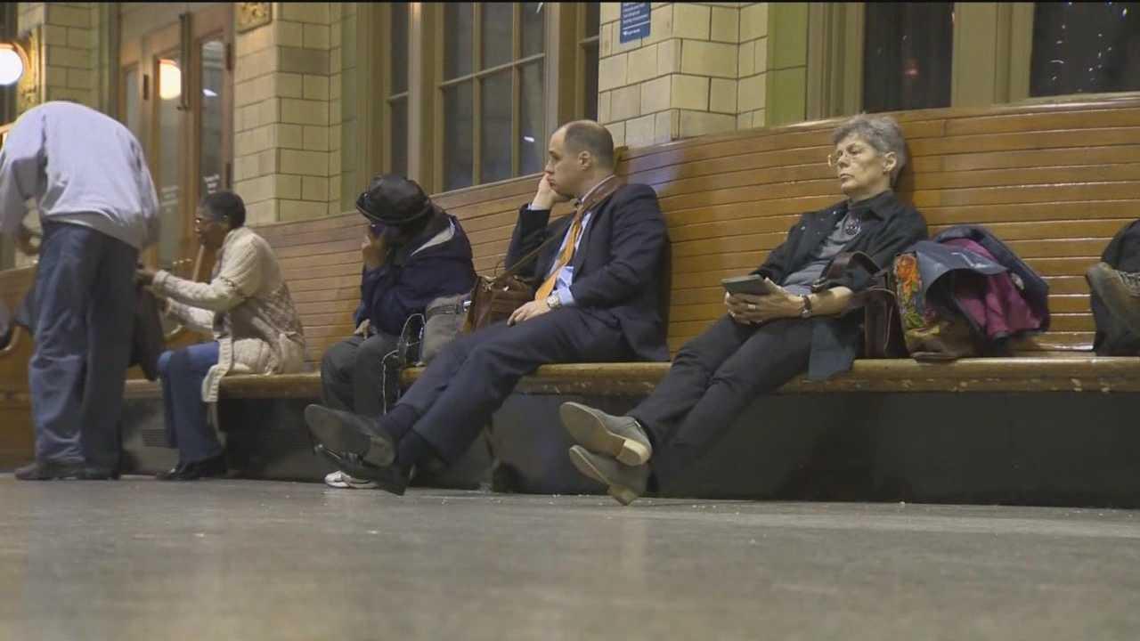 Amtrak derailment strands passengers for hours