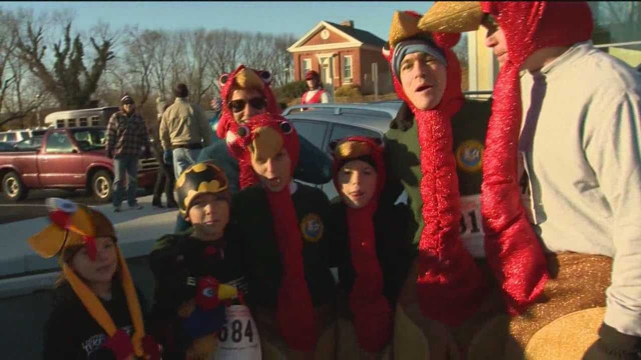 In Towson, 3,000 runners participated in the 2013 Turkey Trot, braving the cold temperatures.