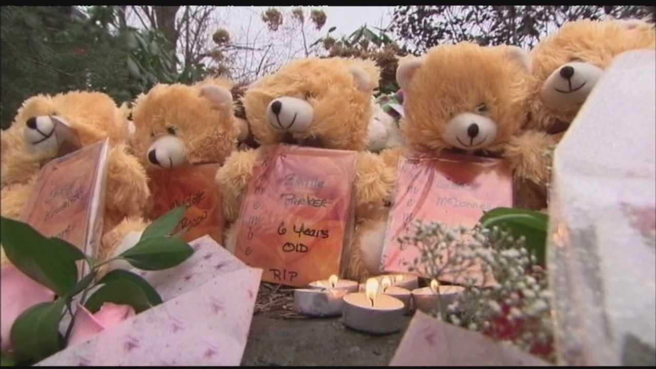 Vigils commemorate year past since Newtown shootings