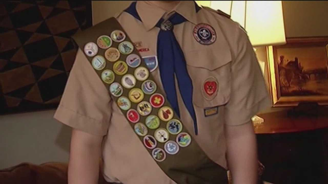 Boy Scouts change tune, allow openly gay boys to join