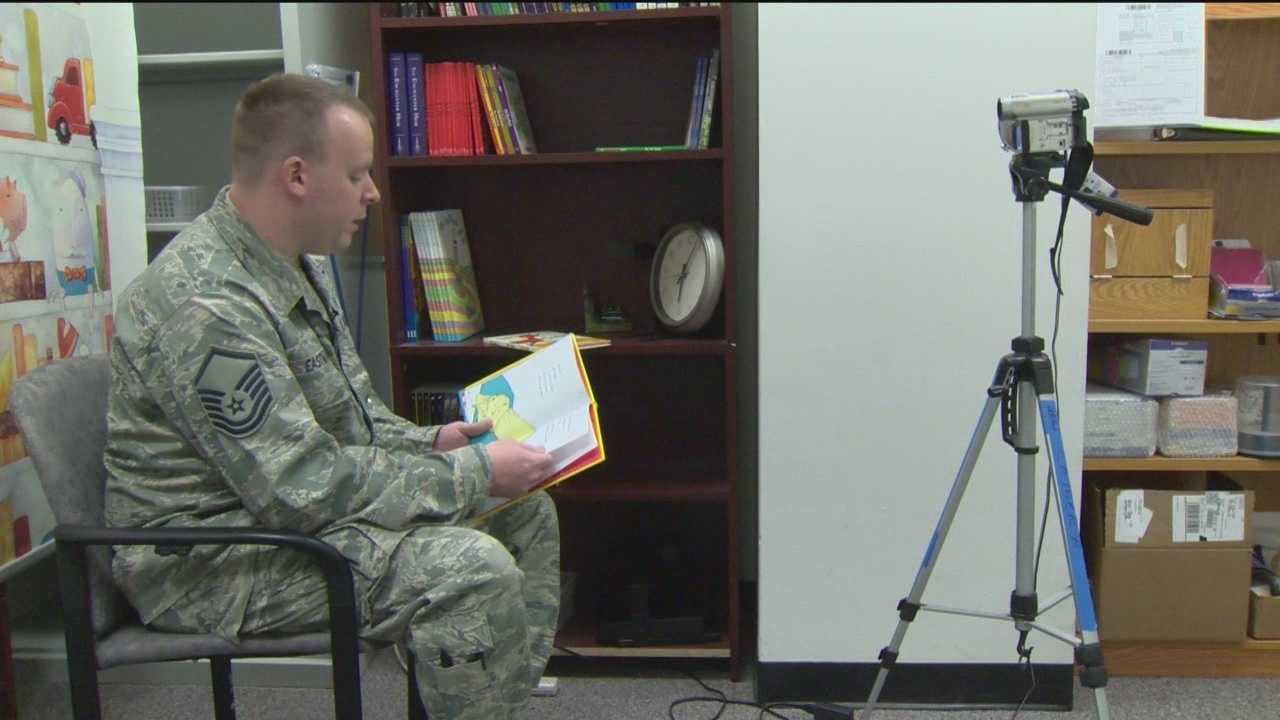 img-Scouts give soldiers time with family through reading