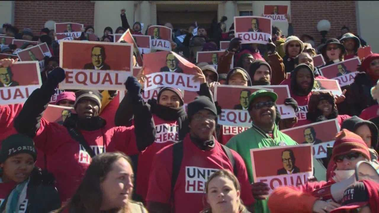 Airport wage protesters block State House