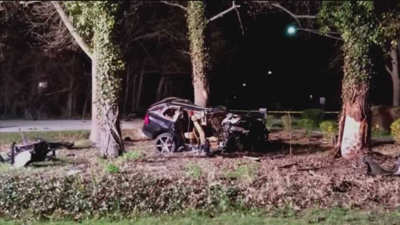 Pasadena crash critically injures 2