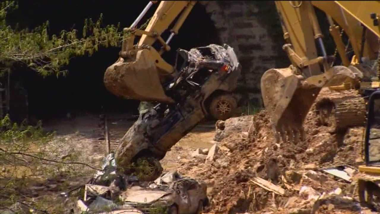 Cleanup continues of city street collapse