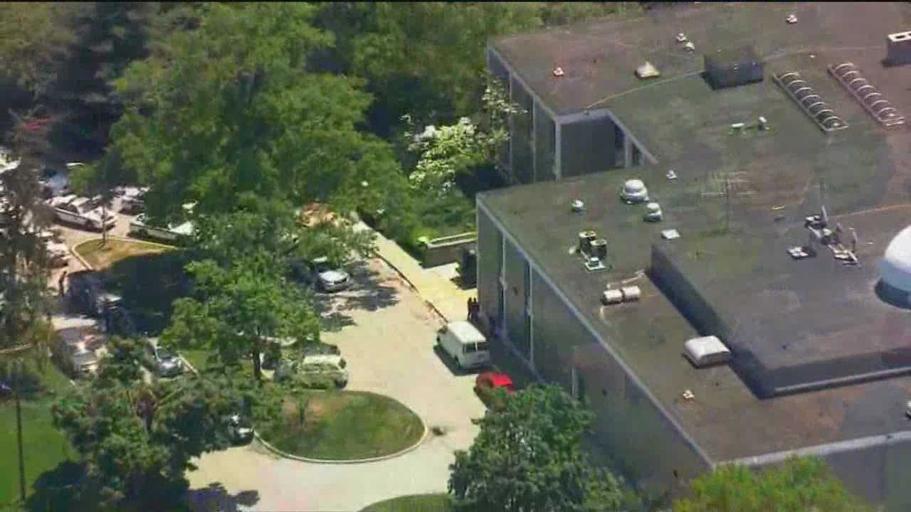 WMAR employees, school children react to crash