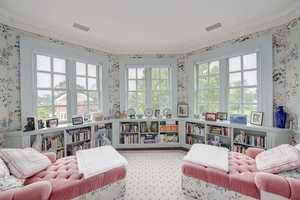 A plush sitting room