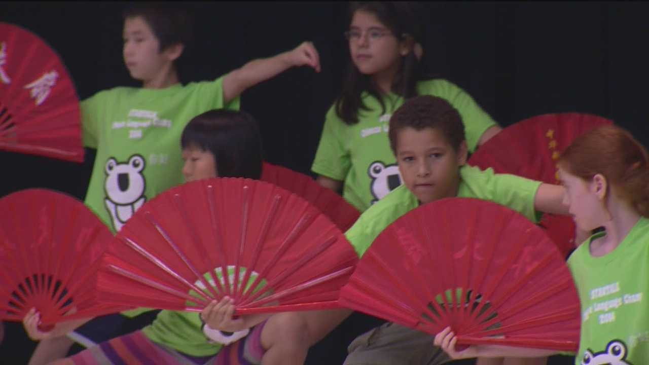 Students learn to speak Chinese at summer camp