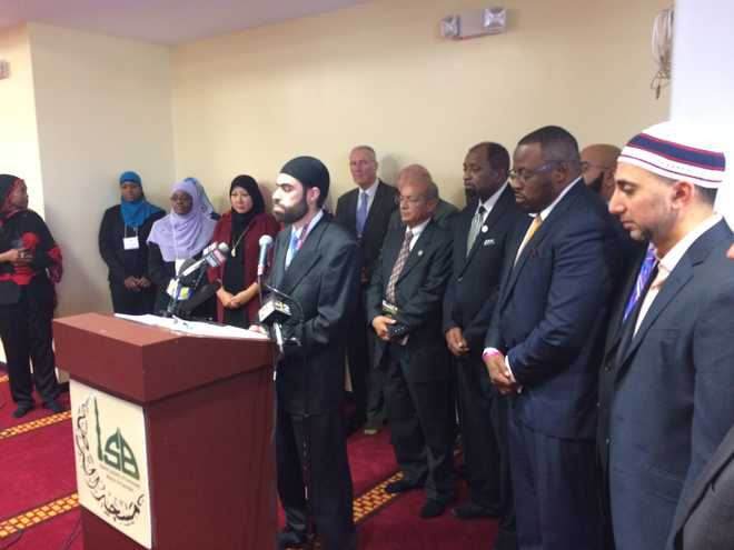windsor mill muslim Obama visits mosque, decries rhetoric against muslim americans the president preached peace and acceptance, but some note that the mosque at which he spoke has been linked to extremist groups.