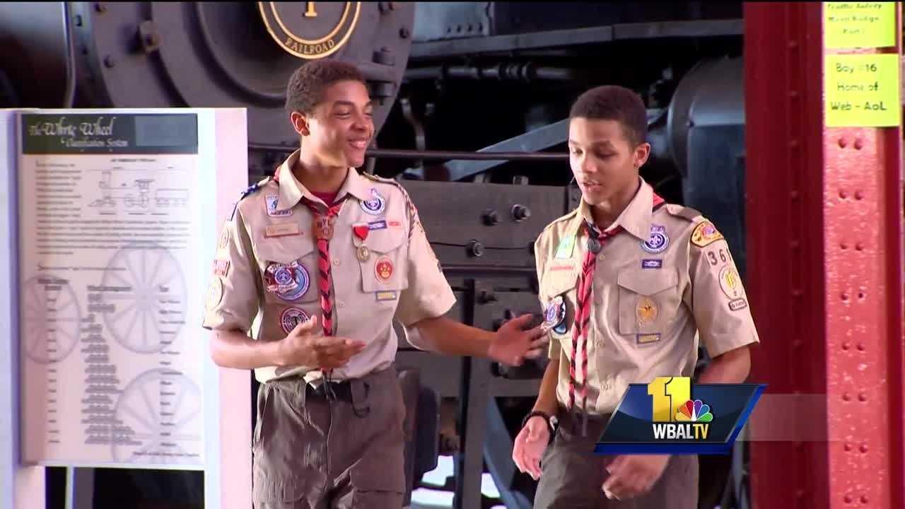 Boy Scout troop receives Ravens Honor Row