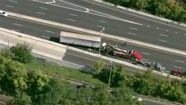 JFX tractor-trailer crash