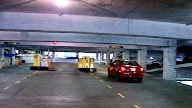 inside a parking garage (good generic) - 16711648