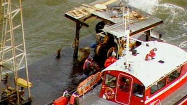 Coast Guard boat rescue - 15706729