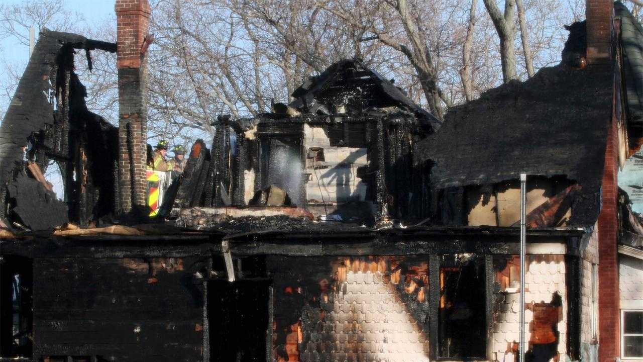 Stamford Fire 5 Dead - 30072640
