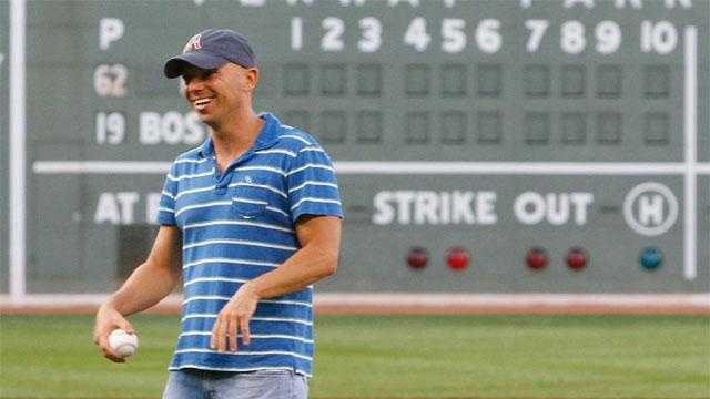 Kenny-Chesney-Fenway - 16997613