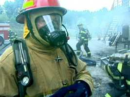 Reporter Jack Harper goes to the Fire Academy