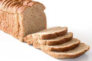 Packed with whole grains, wheat bread is a nutritious alternative to processed bread.
