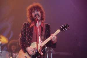 Brad Delp was  best known as the lead vocalist of the rock band Boston. Delp committed suicide from the smoke of two charcoal grills he lit inside his bathroom. (June 12, 1951 – March 9, 2007)