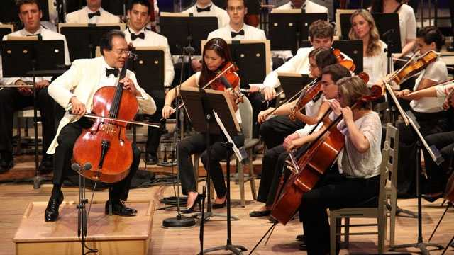 Yo-Yo Ma with the Tanglewood Music Center Orchestra 7.14.12.jpg