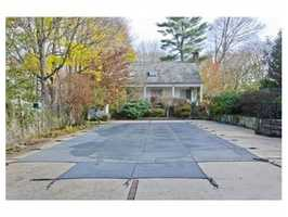 The guest house has an inground pool.