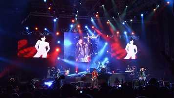 """5. """"Paradise City"""" – Guns N' Roses"""