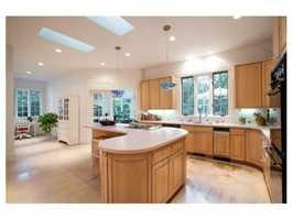 A spacious custom kitchen.