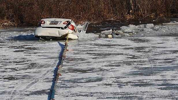 WL - Car Ice Sudbury.jpg