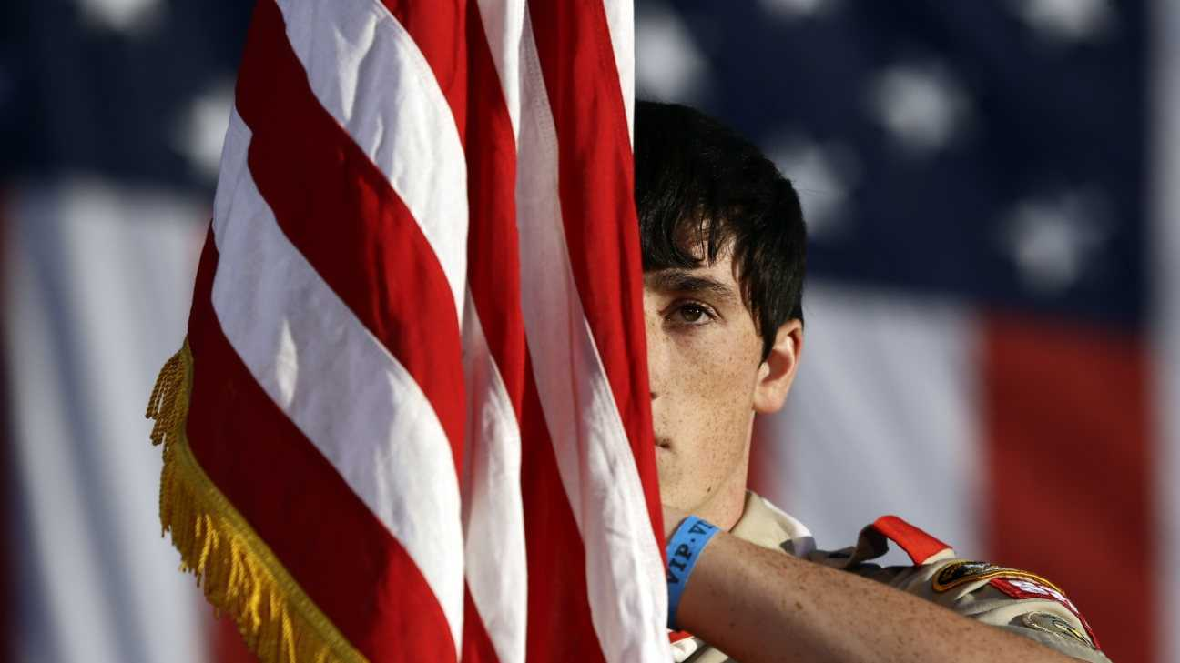 Boy Scout - American Flag - AP.jpg